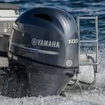 2017-Yamaha-F100-EU-Light_Grey_Metallic-Action-021-03