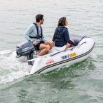 2019-Yamaha-F4-EU-Light_Grey_Metallic-Action-003-03